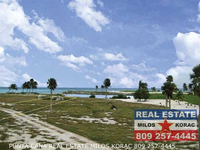 Punta Cayuco land lot for sale