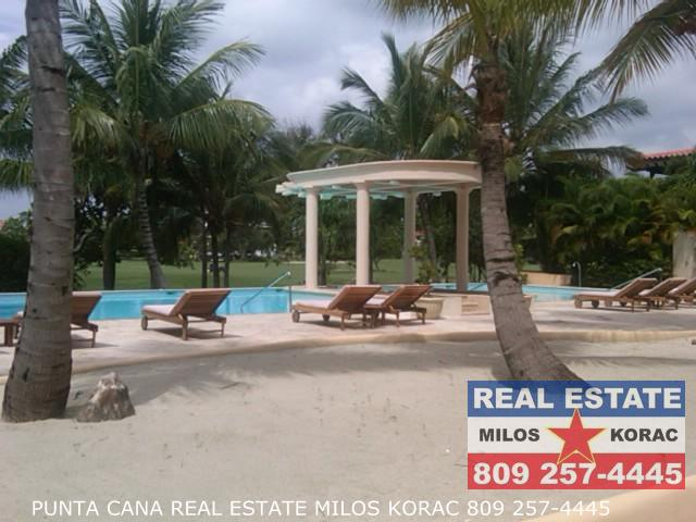Real estate Dominican Republic golf rental in Cocotal Golf course